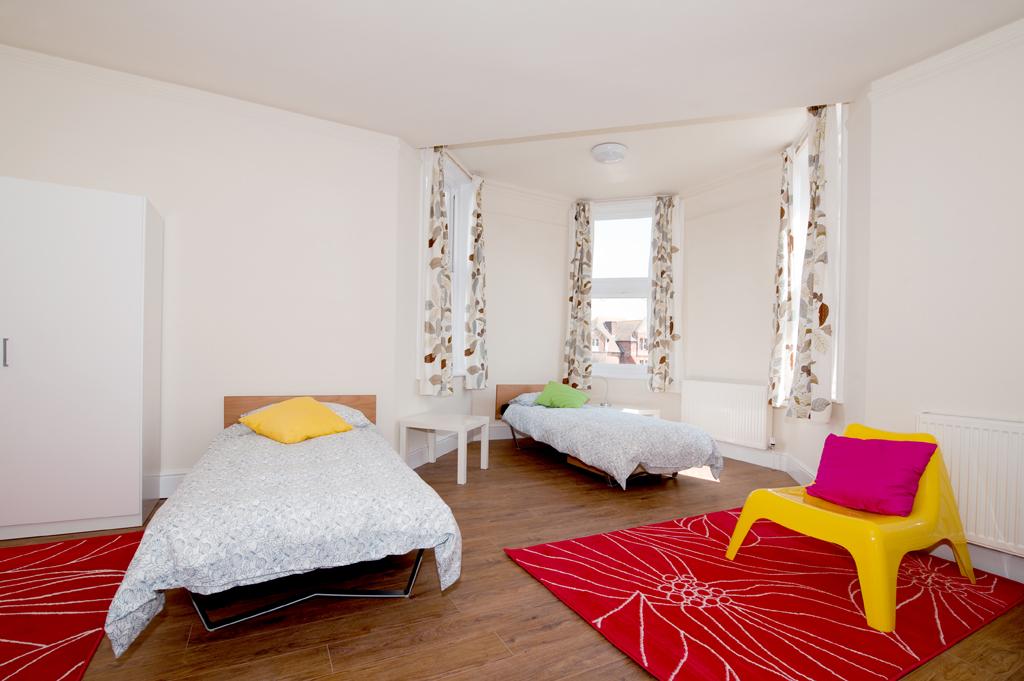 Earlscliffe-Bedroom